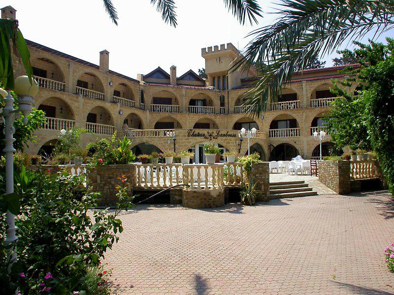 le-chateau-lambousa-cypr-cypr-girne-bar.jpg