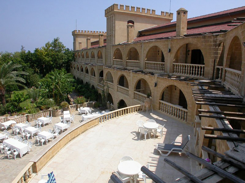 le-chateau-lambousa-cypr-cypr-girne-ogrod.jpg