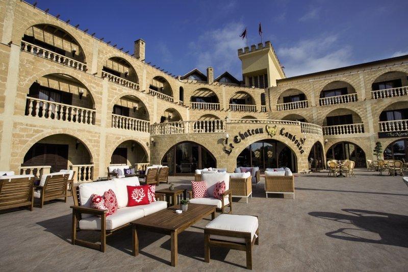 le-chateau-lambousa-cypr-cypr-polnocny-bufet.jpg