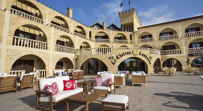 le-chateau-lambousa-cypr-cypr-polnocny-wyglad-zewnetrzny.jpg