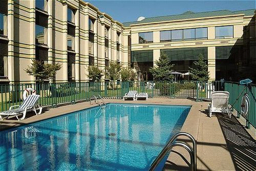 holiday-inn-express-concepcion-chile-chile-concepcion-bufet.jpg
