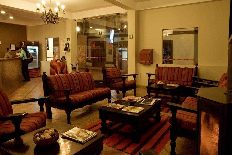 casa-andina-classic-puno-tikarani-peru-peru-widok.jpg