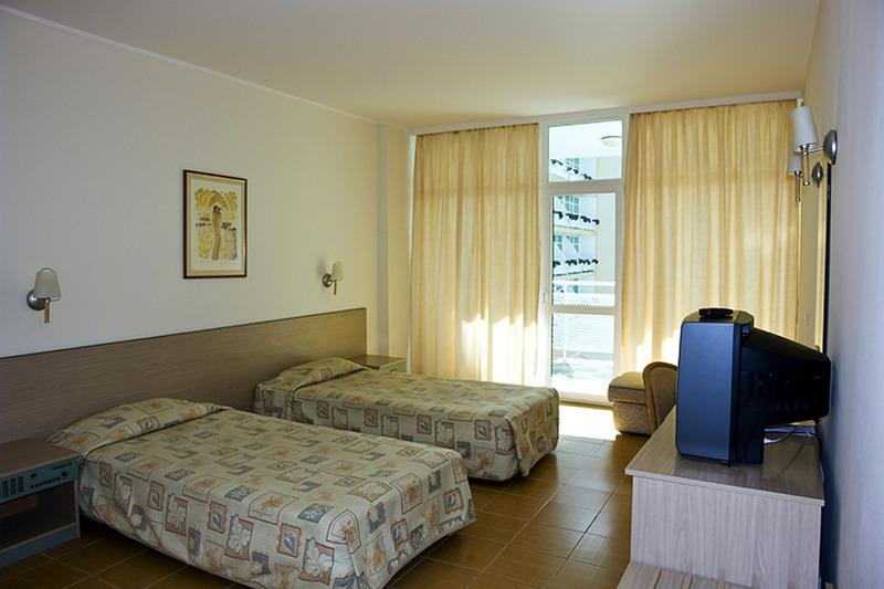 grand-hotel-oasis-bulgaria-sloneczny-brzeg-burgas-sloneczny-brzeg-budynki.jpg
