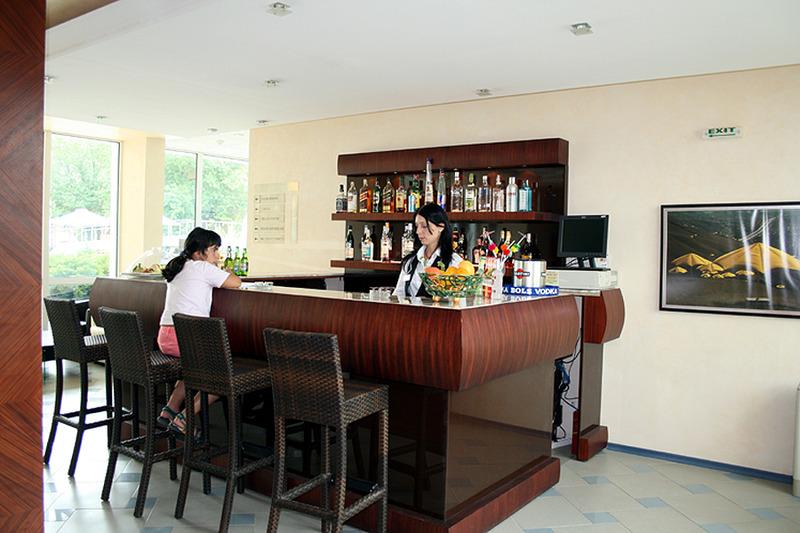 grand-hotel-oasis-bulgaria-sloneczny-brzeg-burgas-sloneczny-brzeg-bufet.jpg