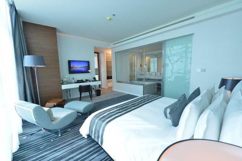 ramee-grand-hotel-spa-bahrajn-bahrajn-bar.jpg