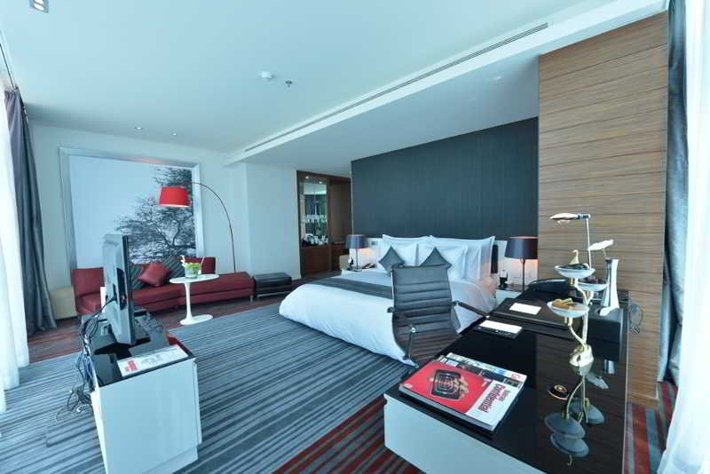 ramee-grand-hotel-spa-bahrajn-bahrajn-manama-bar.jpg