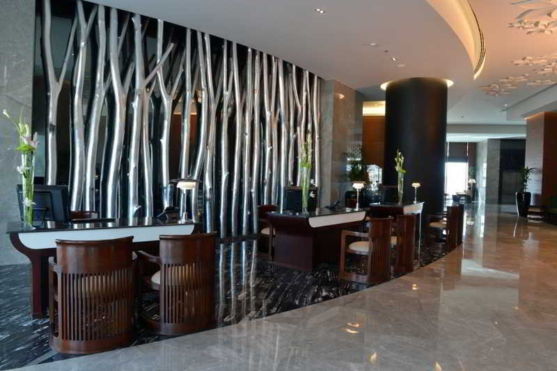 ramee-grand-hotel-spa-bahrajn-bahrajn-ogrod.jpg