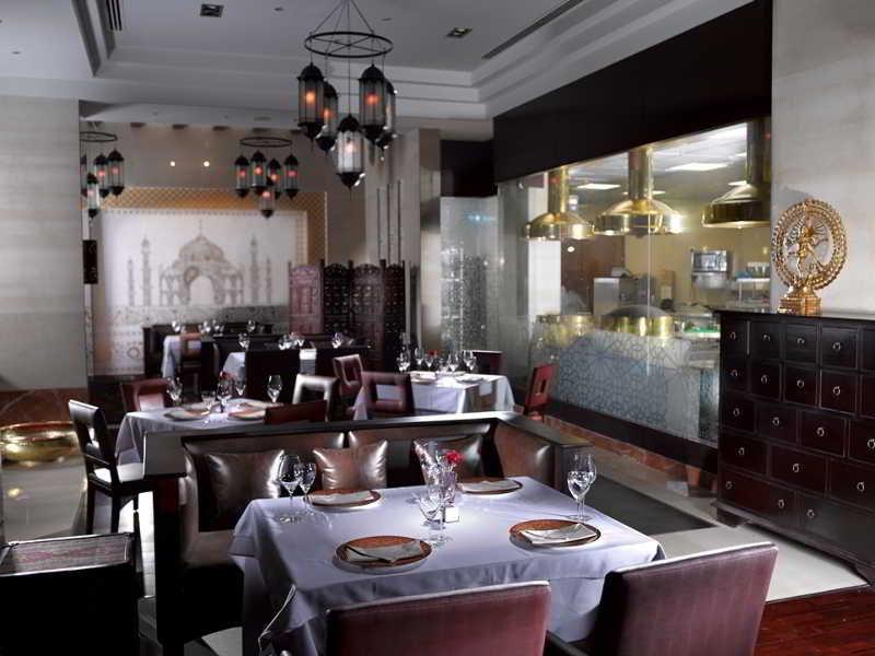 ramee-grand-hotel-spa-bahrajn-ogrod.jpg