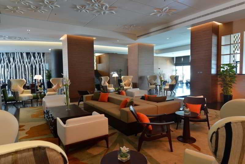 ramee-grand-hotel-spa-bahrajn-plaza.jpg
