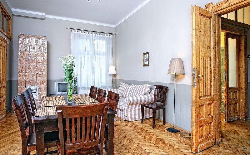 antique-apartments-plac-szczepanski-polska-bar.jpg