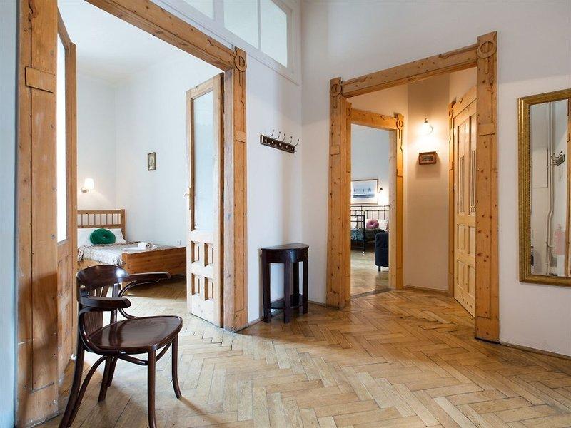 antique-apartments-plac-szczepanski-polska-bufet.jpg