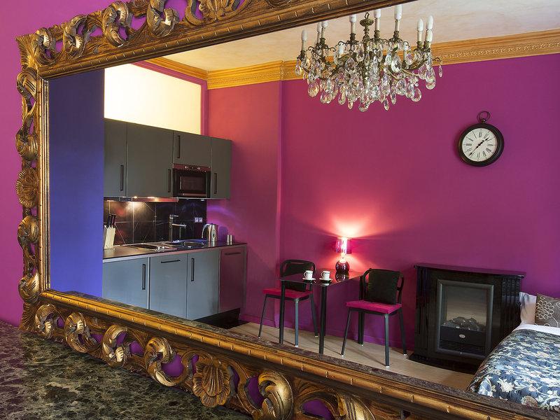 antique-apartments-plac-szczepanski-polska-lobby-bufet.jpg
