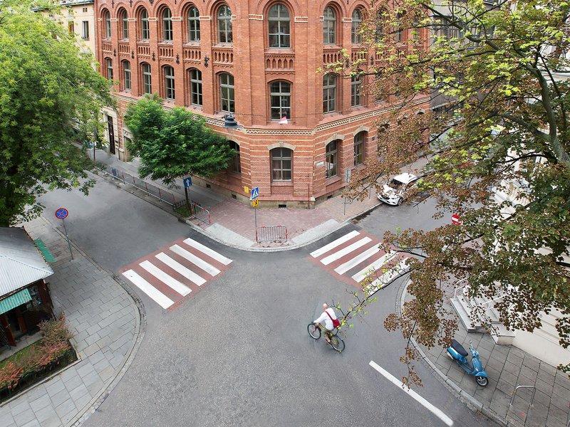antique-apartments-plac-szczepanski-polska-polska-krakow-bufet-pokoj.jpg
