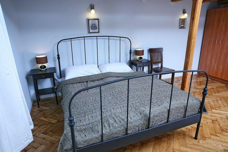 antique-apartments-plac-szczepanski-polska-polska-krakow-widok.jpg