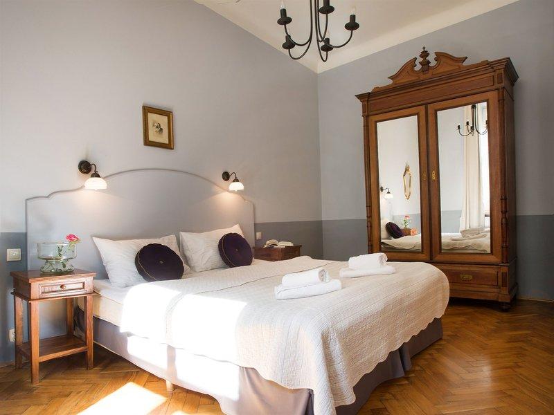 antique-apartments-plac-szczepanski-polska-polska-krakow-wyglad-zewnetrzny.jpg