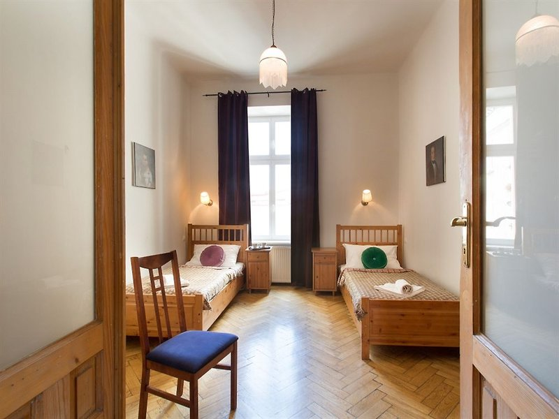 antique-apartments-plac-szczepanski-polska-polska-recepcja.jpg