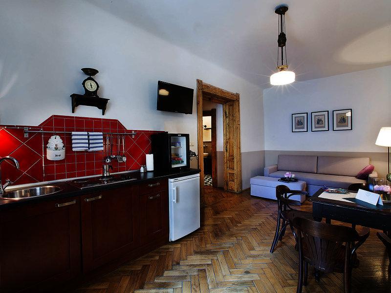 antique-apartments-plac-szczepanski-polska-widok-bar.jpg
