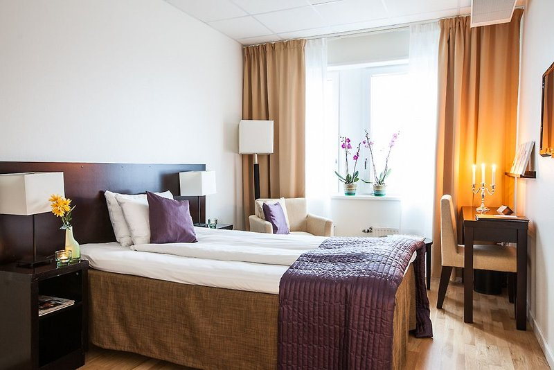 best-western-farsta-strand-hotel-conference-szwecja-sztokholm-i-okolice-stockholm-ogrod.jpg