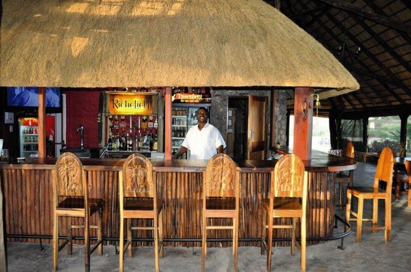 etotongwe-lodge-namibia-bar.jpg