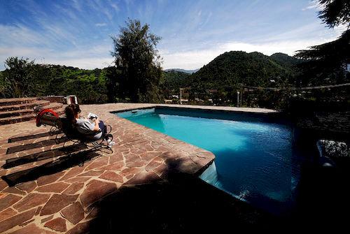 santiago-hillside-chile-basen.jpg