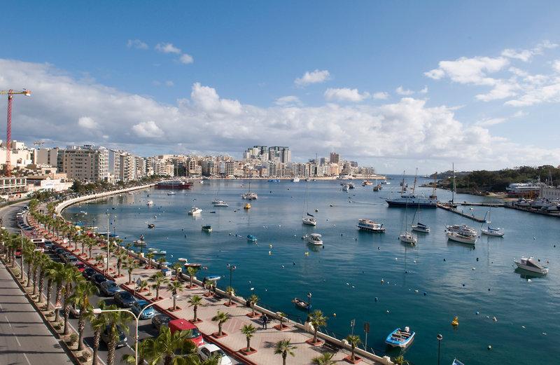 bayview-hotel-apartments-malta-malta-morze.jpg