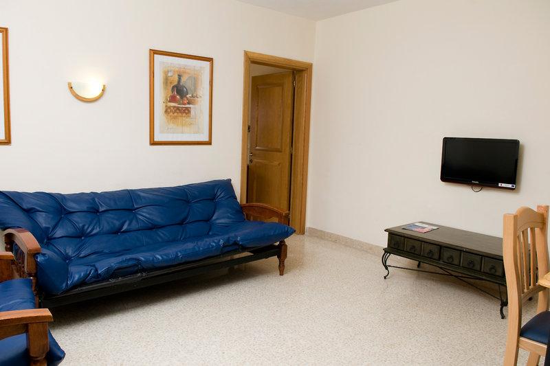 bayview-hotel-apartments-malta-malta-sliema-basen.jpg