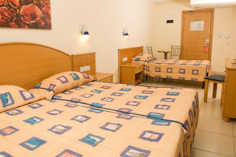bayview-hotel-apartments-malta-widok-z-pokoju.jpg