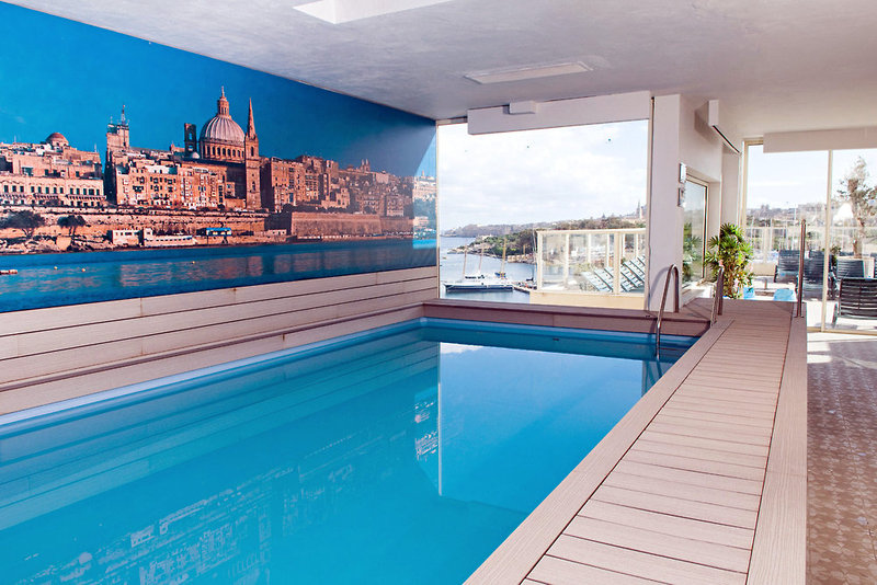 bayview-hotel-appartements-malta-malta-budynki.jpg