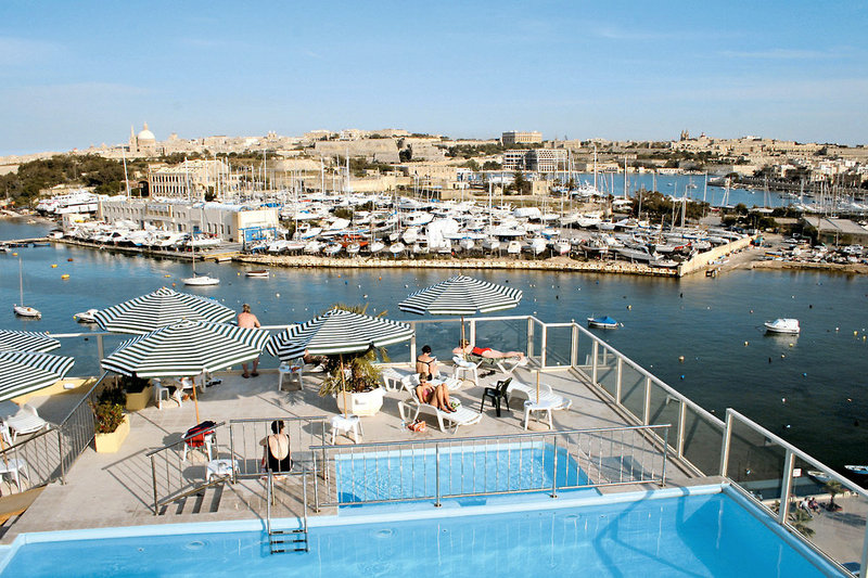 bayview-hotel-appartements-malta-malta-sliema-widok-z-pokoju.jpg