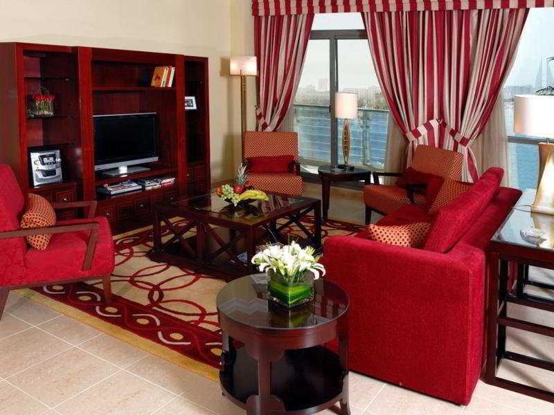 marriott-executive-apartments-manama-bahrajn-ogrod.jpg