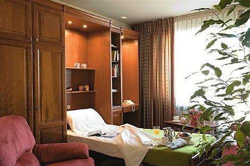 residence-st-james-szwajcaria-jezioro-genewskie-i-okolice-genf-widok-z-pokoju.jpg