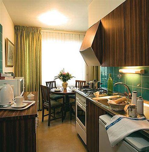 residence-st-james-szwajcaria-jezioro-genewskie-i-okolice-recepcja.jpg