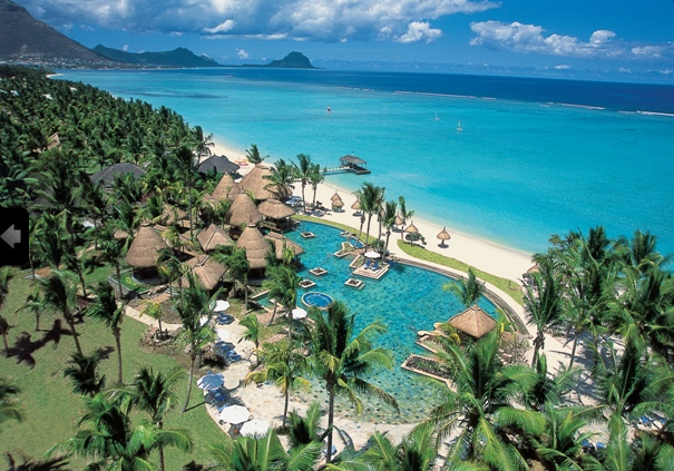 la-pirogue-mauritius-basen.jpg