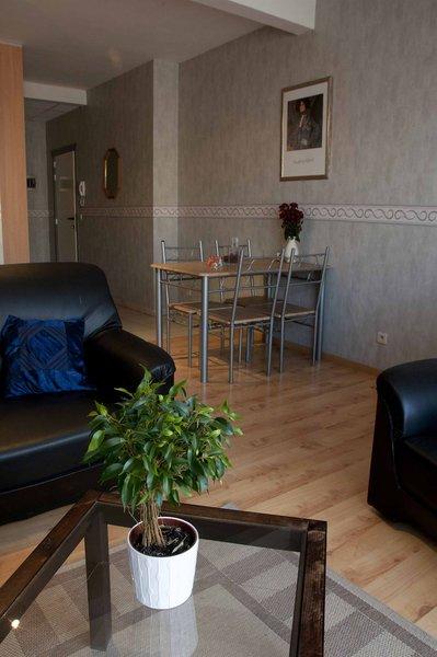 ambassador-suites-leuven-belgia-bruksela-i-okolice-leuven-bufet.jpg