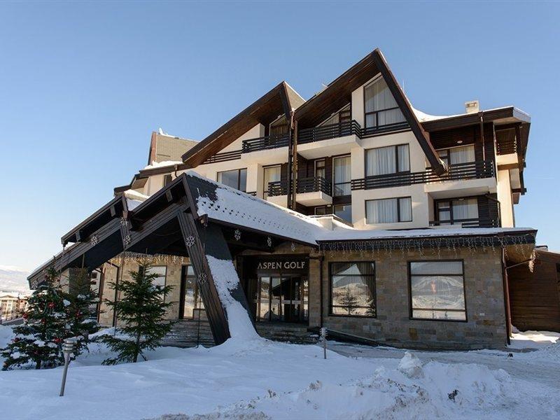 aspen-golf-apartment-complex-bulgaria-bar.jpg