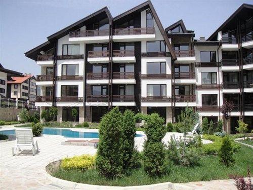 aspen-suites-apartment-complex-bulgaria-widok-z-pokoju.jpg