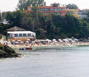 family-hotel-yanevs-bulgaria-sloneczny-brzeg-burgas-lozenetz-bar.jpg