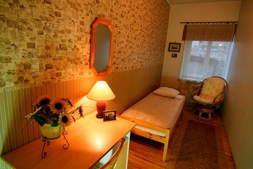oldhouse-hostel-estonia-estonia-tallinn-pokoj.jpg
