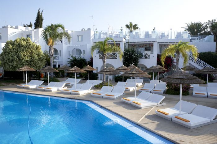 so-nice-boutique-suites-cypr-cypr-poludniowy-ayia-napa-plaza-widok.jpg