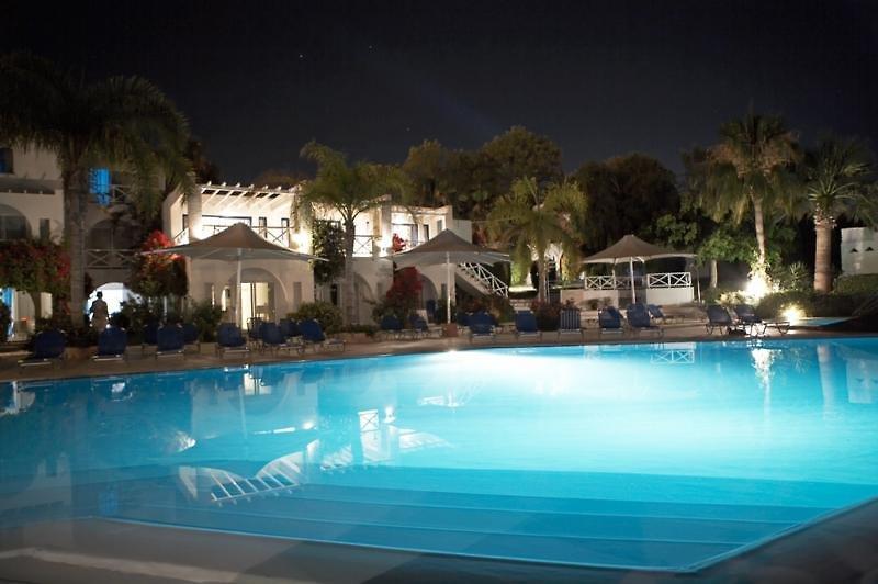 so-nice-boutique-suites-cypr-cypr-poludniowy-ayia-napa-widok-z-pokoju.jpg