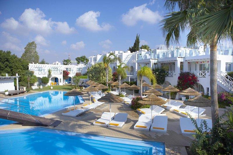 so-nice-boutique-suites-cypr-cypr-poludniowy-rozrywka.jpg