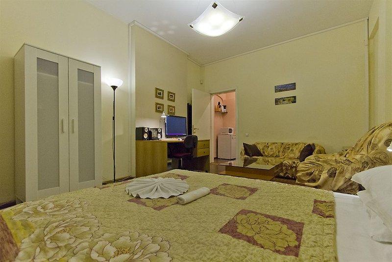 sofia-inn-residence-bulgaria-sofia-i-okolice-sofia-basen.jpg