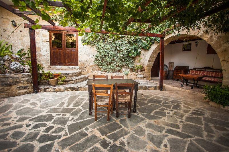 vasilias-nikoklis-inn-cypr-cypr-zachodni-lobby.jpg