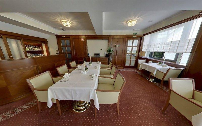 grand-hotel-ocean-slowenia-lobby.jpg