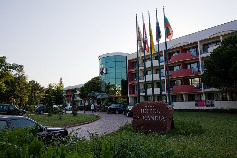 club-hotel-strandja-bulgaria-bulgaria-bar.jpg