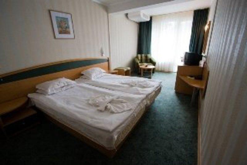club-hotel-strandja-bulgaria-sloneczny-brzeg-burgas-sloneczny-brzeg-bar.jpg