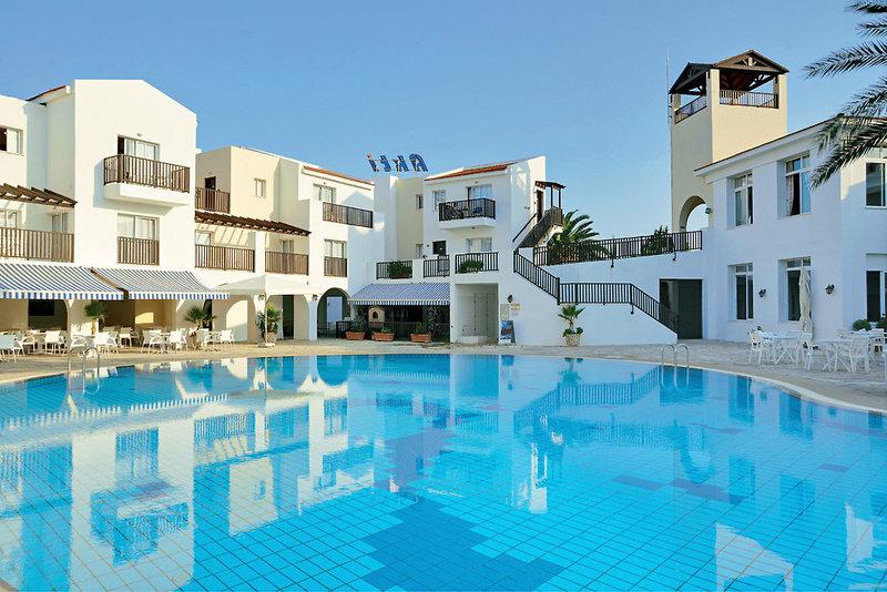 akti-beach-village-cypr-cypr-zachodni-paphos-budynki.jpg