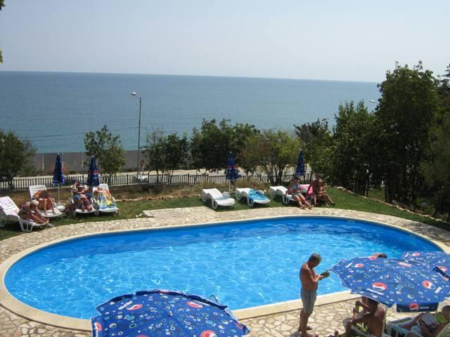 koraba-bulgaria-zlote-piaski-warna-zlote-piaski-morze.jpg