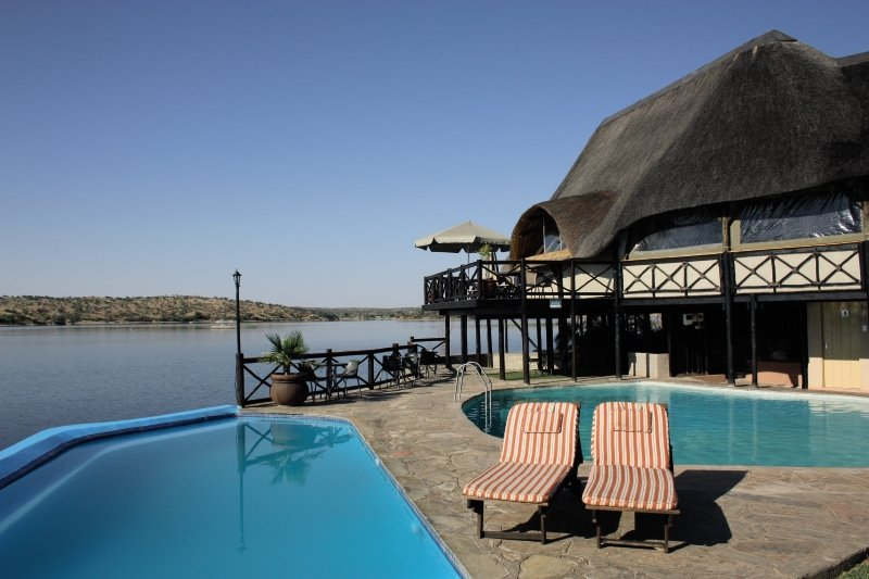 lake-oanob-resort-lake-oanob-resort-namibia-namibia-budynki.jpg