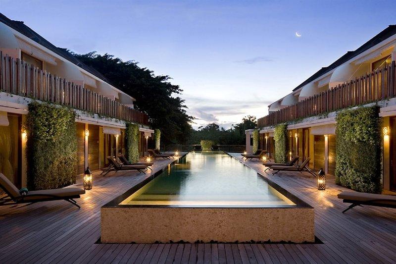 Kupu Kupu Jimbaran Suites & Spa by L'Occitane